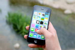 Hackers Threaten To Remote Wipe 300M iPhones Unless Apple Pays 71 Bitcoin Ransom