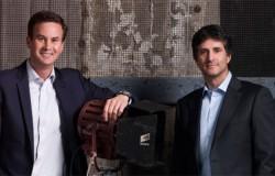 Apple Hires Seasoned Sony Pictures TV Execs To Spearhead Original Programming Push