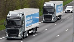 'Self-driving' lorries to be tested on UK roads