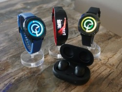 Hands-On Samsung's New Wearables: Gear Fit2 Pro, Gear Sport, IconX (2017)