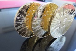 Bitcoin Crashes Hard After Second Largest Chinese Exchange Announces Shutdown