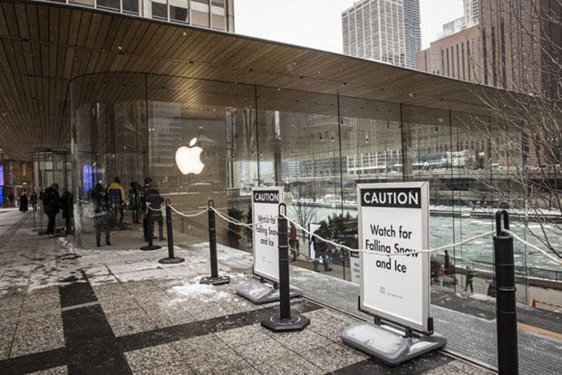 Chicago Apple Store Ice