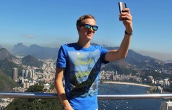 Facebook Shed Millions Of Users In 2017 As Younger Generation Flocks To Snapchat