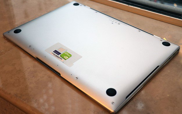 Huawei Matebook X Pro bottom