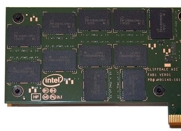 intel ssd dc p4600 angle chips