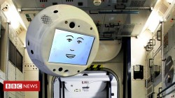 Floating robot Cimon sent to International Space Station