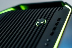 Alienware Area 51 R5 Review: Liquid Cooled GPUs And Skylake-X Firepower
