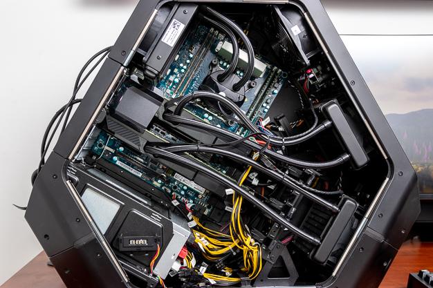 Alienware Area 51 R5 Full Interior