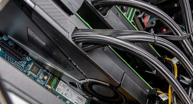Alienware Area 51 R5 GPU Liquid Cooling Low Angle