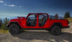 2020 Jeep Gladiator Officially Bows In As The Only Convertible Pickup Truck On Market