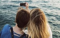 Popsugar's Twinning Selfie App Springs A Leak And Exposes Users' Photos