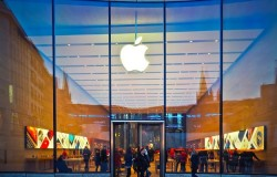 Apple Faces Possible Class Action Suit For Securities Fraud After Guidance Revision