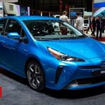 Toyota to share hybrid vehicle secrets for free