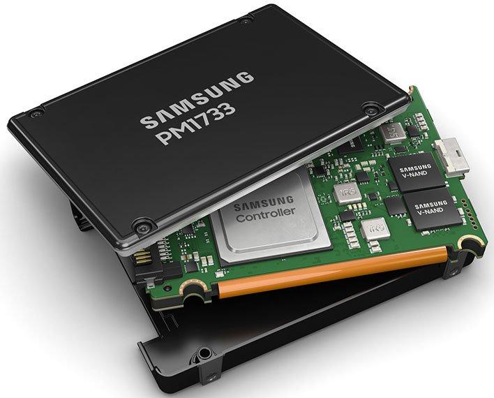 Samsung PM1733 SSD