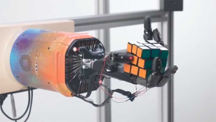 robot arm rubiks cube