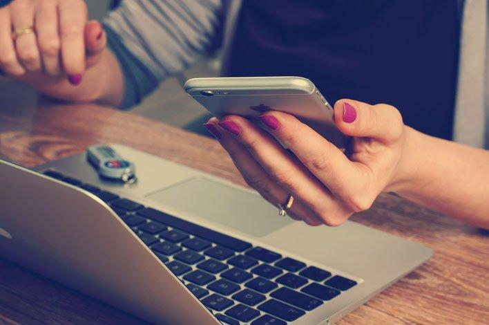 user laptop smartphone