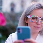 Smart glasses help to find your makeup palette